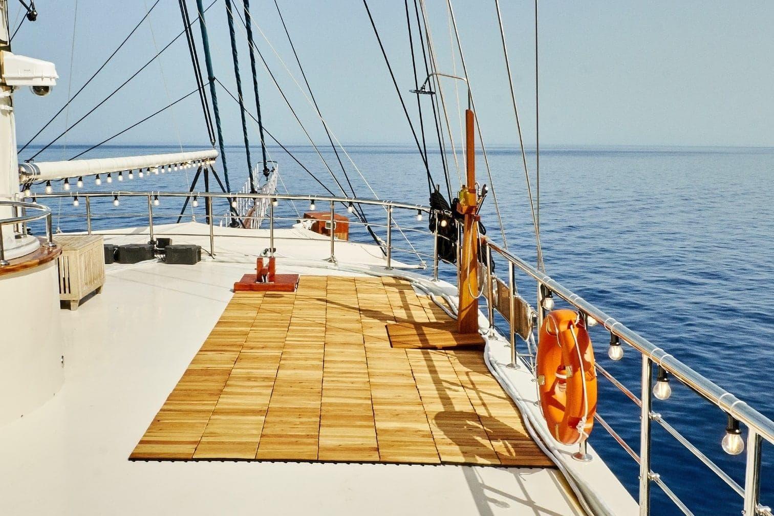 <p>Das Deck der Jacht lädt zum sonnenbaden ein.</p> Foto: MG RTL D