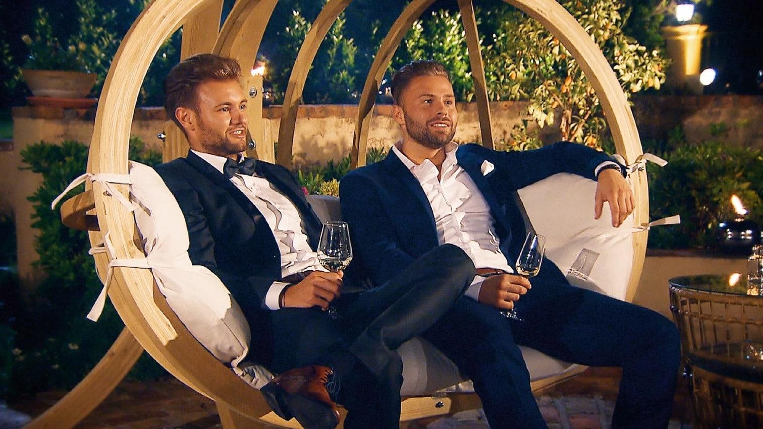 <p>Noch sind die Männer entspannt