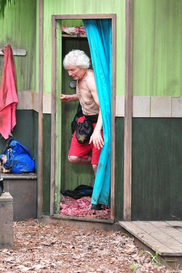 """<p>Freudestrahlend und hochmotiviert kommt der 74-Jährige an: """"Ich freue mich drauf! Aufgeben ist keine Option!""""</p> Foto: TV NOW / Stefan Menne"""