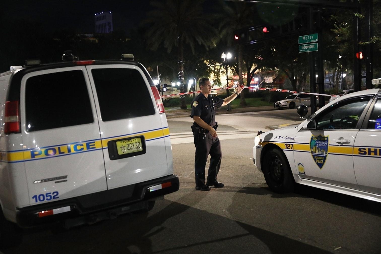 <p>In Jacksonville im US-Bundesstaat Florida hat ein Teilnehmer eines Videospiel-Wettbewerbs zwei Menschen erschossen. Elf weitere Personen wurden verletzt