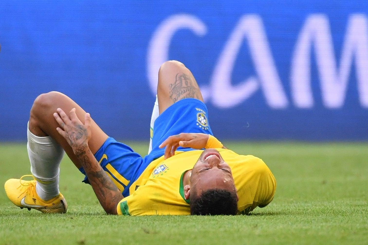 damit das Spiel fortgesetzt werden konnte.</p> Foto: AFP