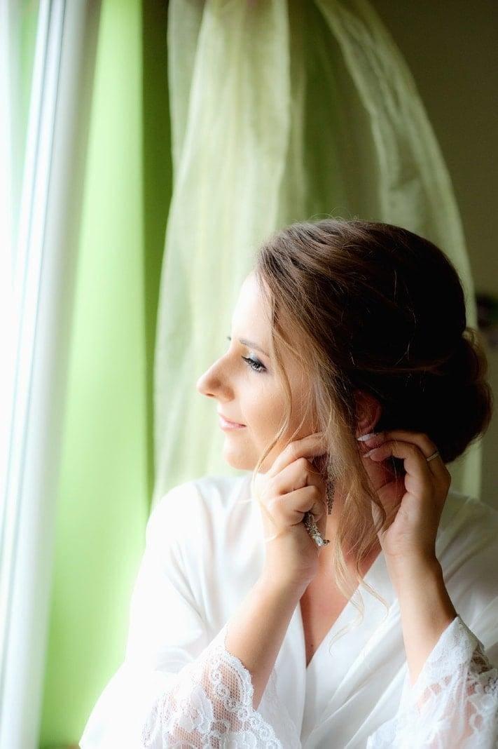 <p>Bei den Vorbereitungen wurde Anna von Stylistin Magda unterstützt.</p> Foto: MG RTL D / flashed by micky