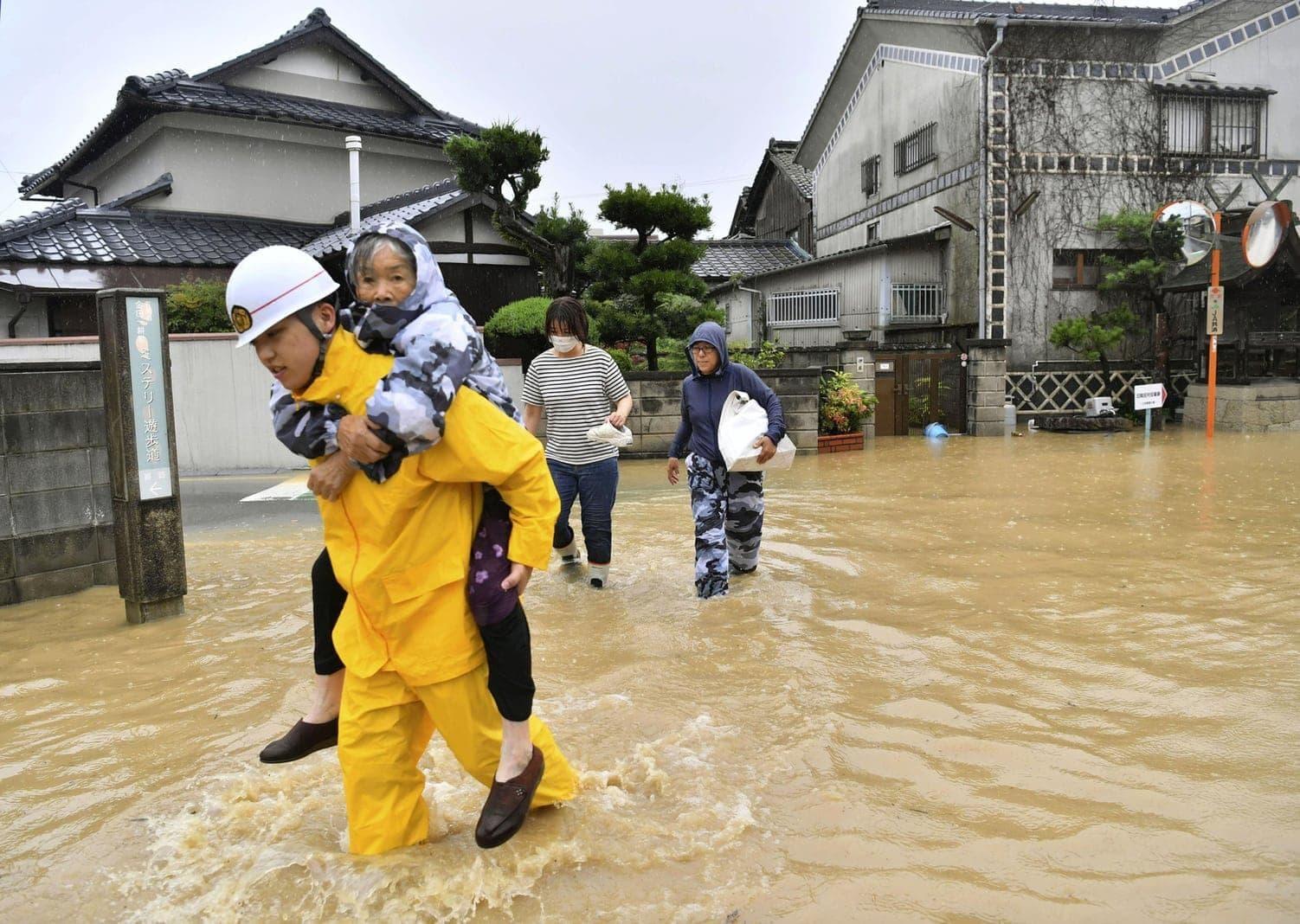 teilte Regierungssprecher Yoshihide Suga mit.</p> Foto: dpa