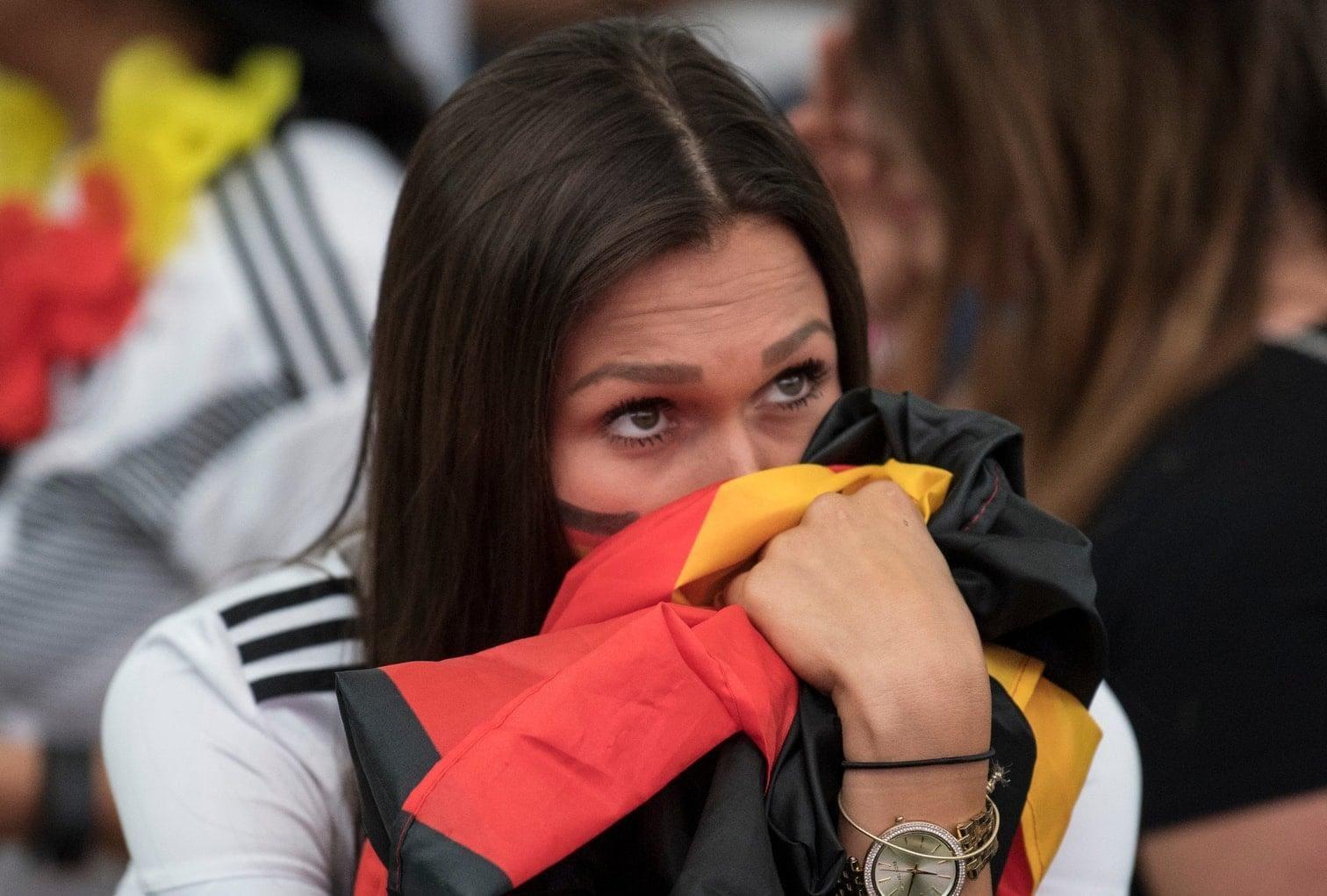 <p>Nach dem 0:1 gegen Mexiko befindet sich die Nationalmannschaft in &bdquo;einer absolut ungewohnten Situation&ldquo;. Der Fehlstart fordert auch den Bundestrainer. Der Weltmeisterfluch droht. Wir haben die Pressestimmen zusammengestellt.</p> Foto: dpa