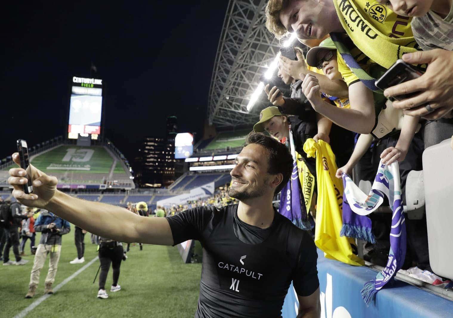 Mats Hummels Borussia Dortmund Fans
