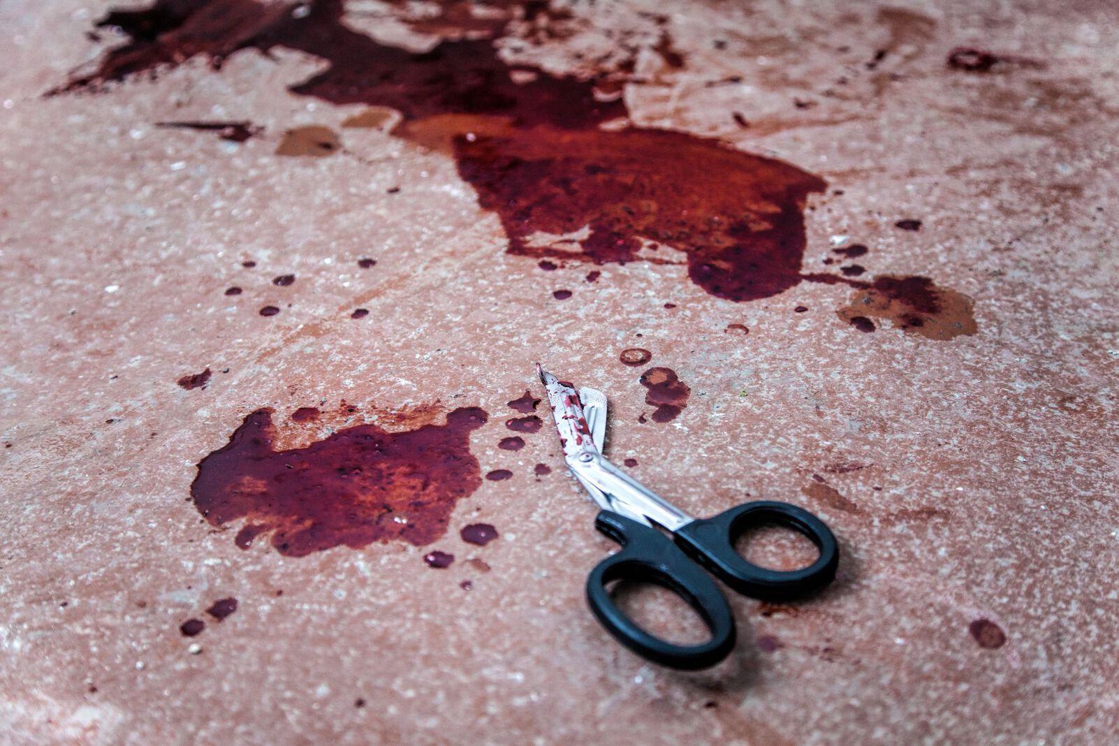 Schere Blut