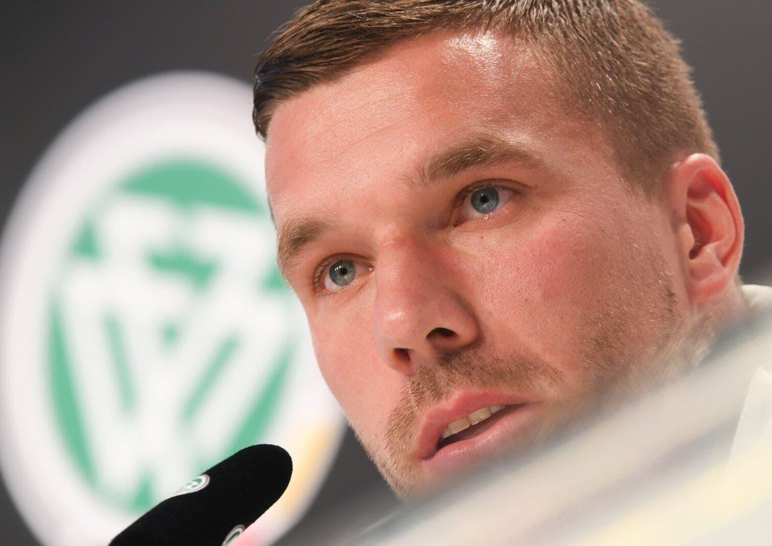 So rührend verabschiedet sich Lukas Podolski von seiner verstorbenen Oma
