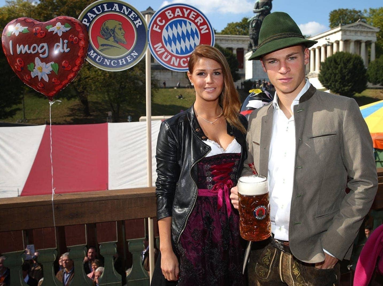 Joshua Kimmich und seine Freundin Lina Meyer