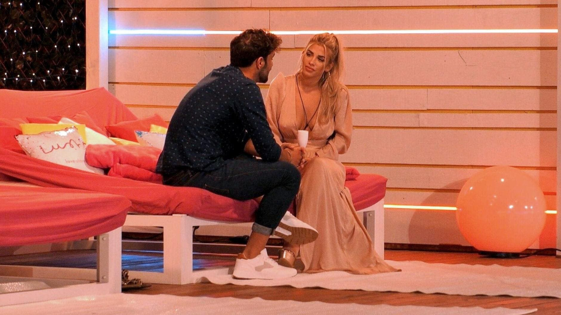 Love Island 2019 Dijana checkt Yasin