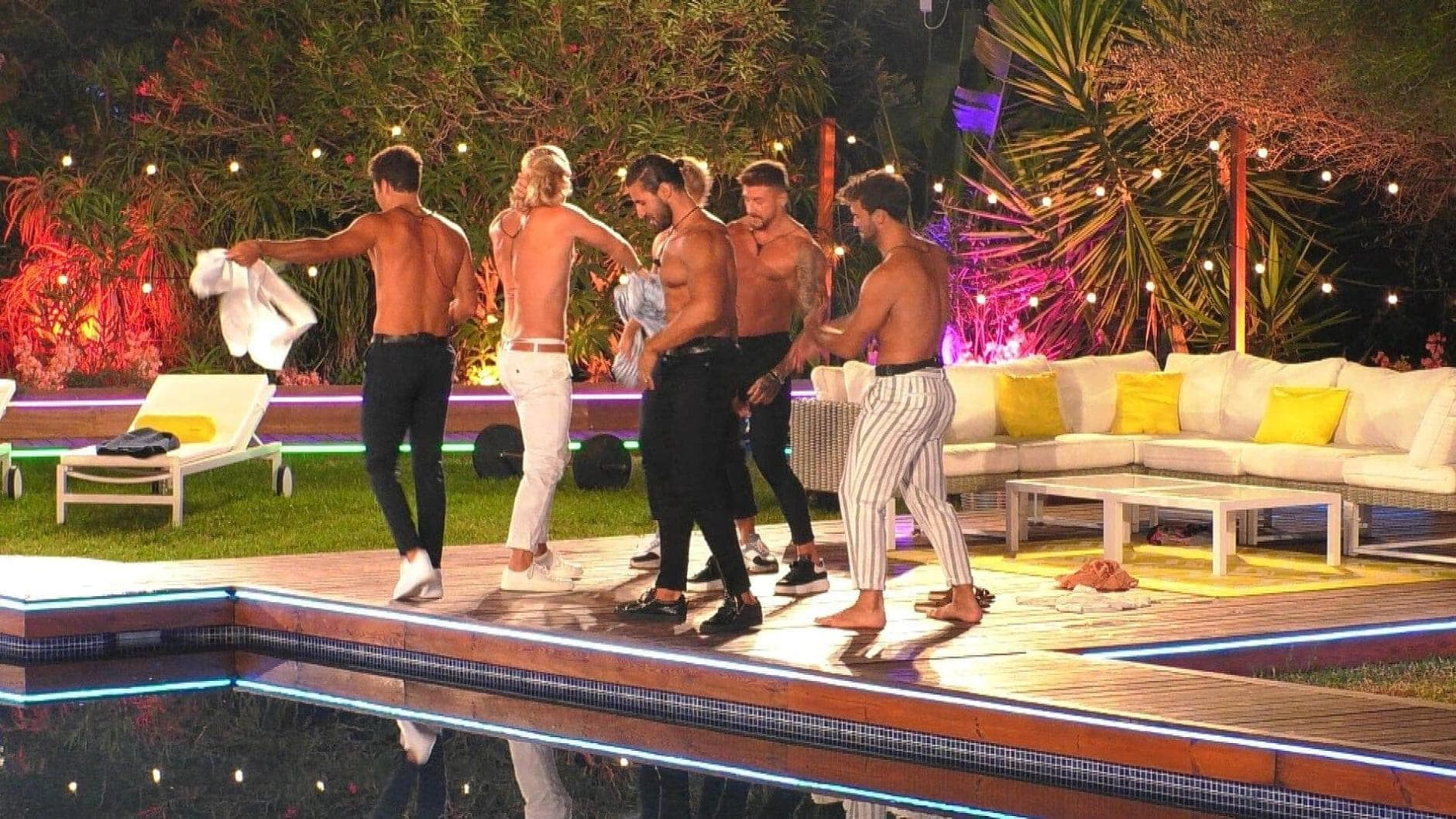 Love Island 2019 Party Pool