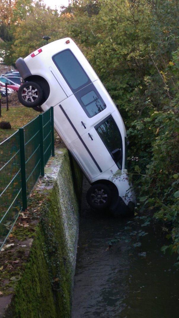 Unfall Bach Bückeburg
