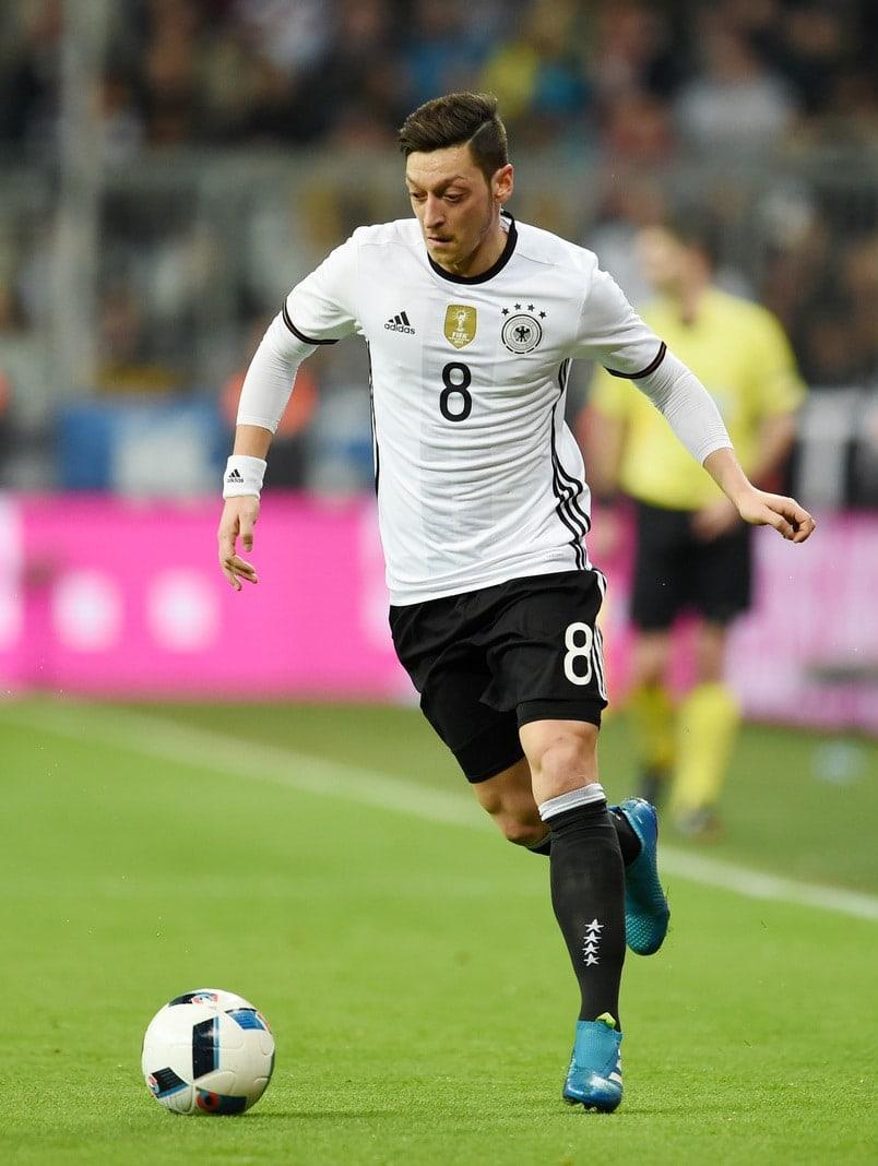 Mesut Özil für BS