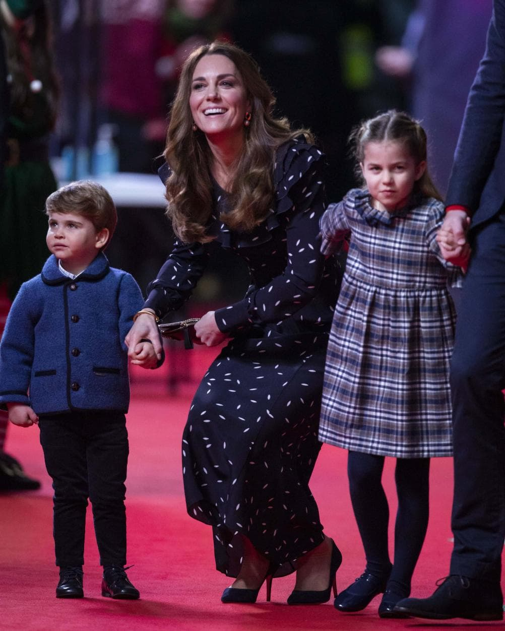 William und Kate erstmals mit allen Kindern auf dem roten Teppich 10
