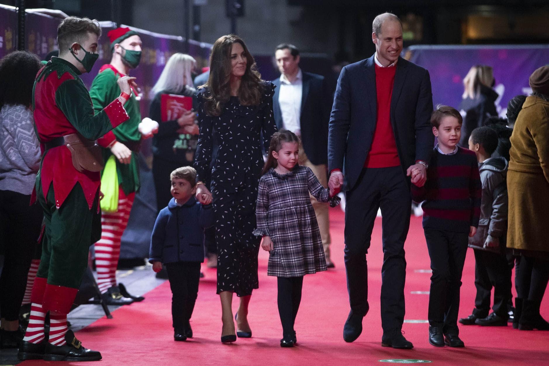 William und Kate erstmals mit allen Kindern auf dem roten Teppich 11