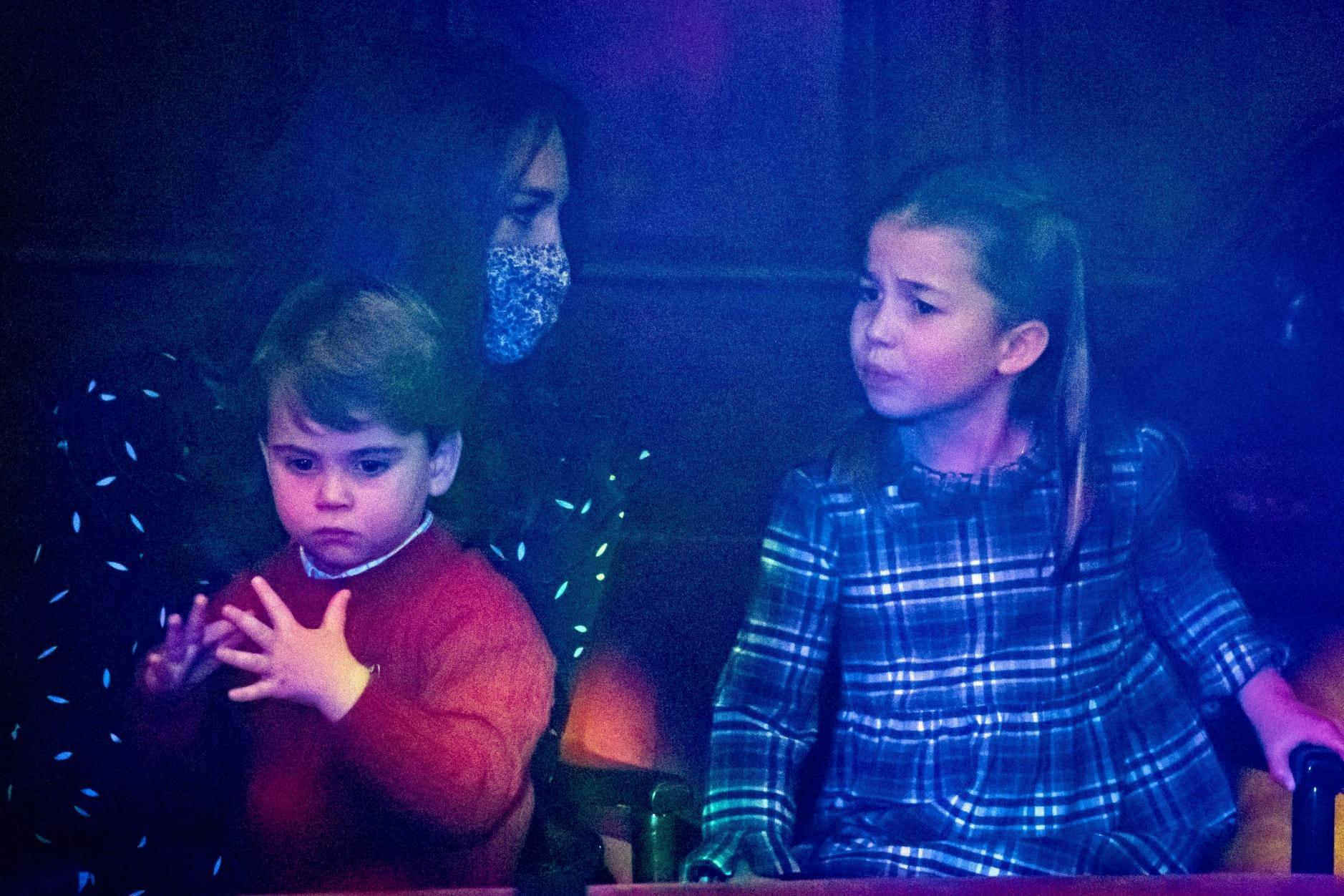 William und Kate erstmals mit allen Kindern auf dem roten Teppich 3