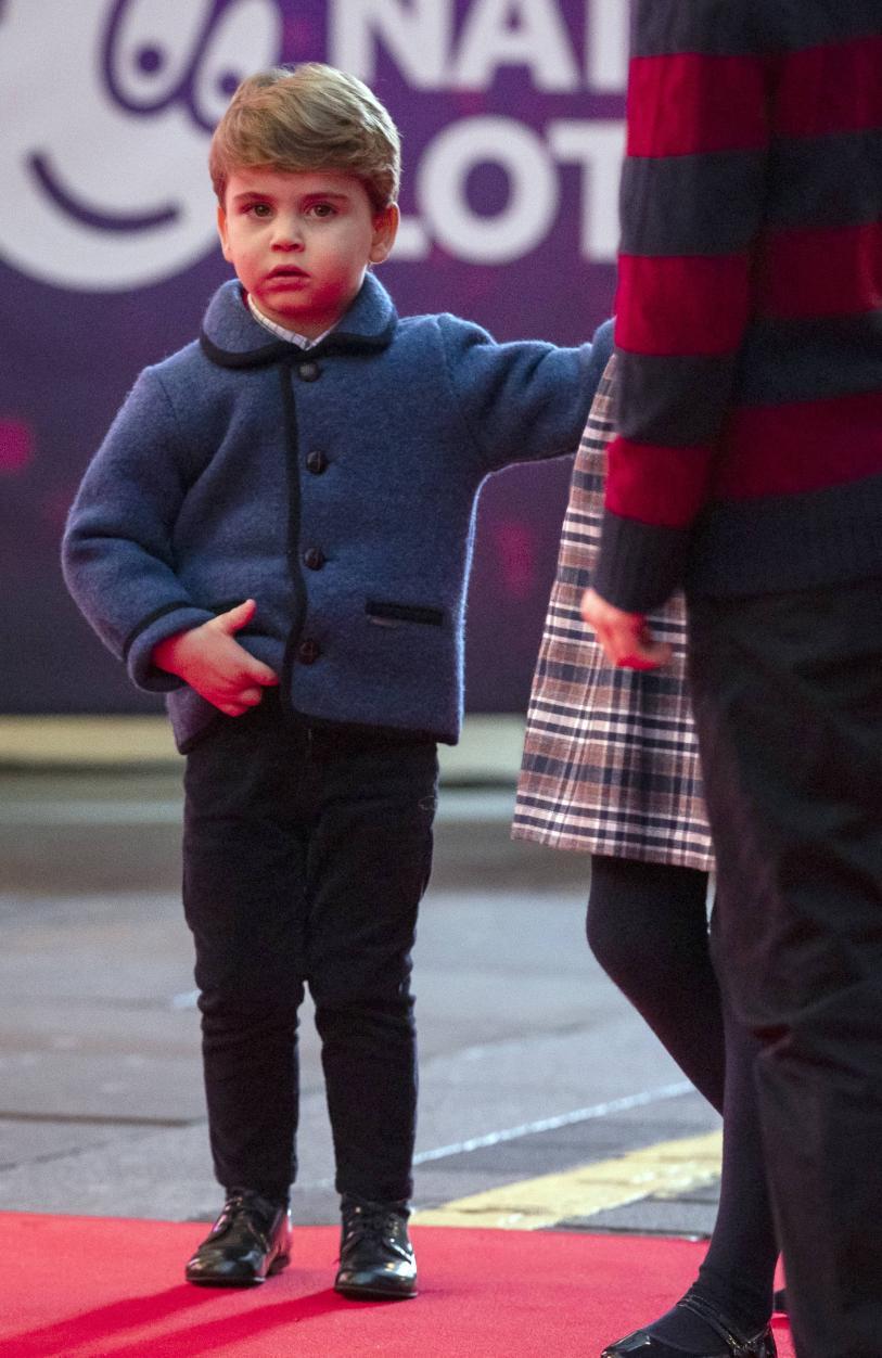 William und Kate erstmals mit allen Kindern auf dem roten Teppich 4