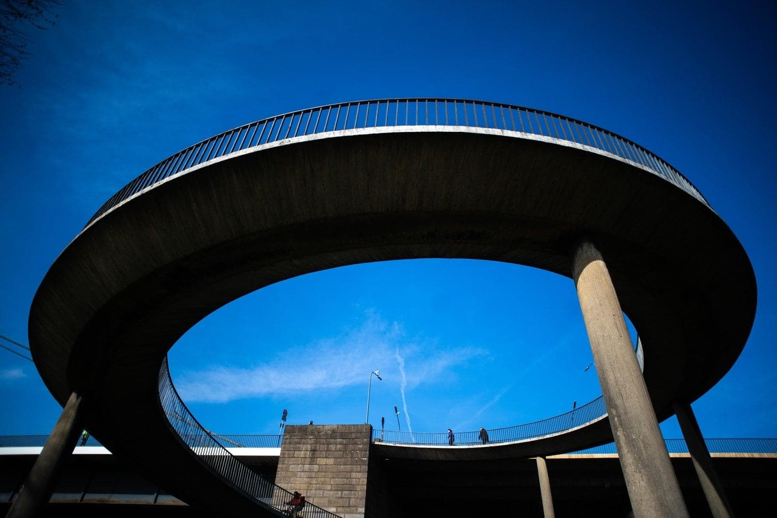 Düsseldorf Blauer Himmel Theodor-Heuss-Brücke