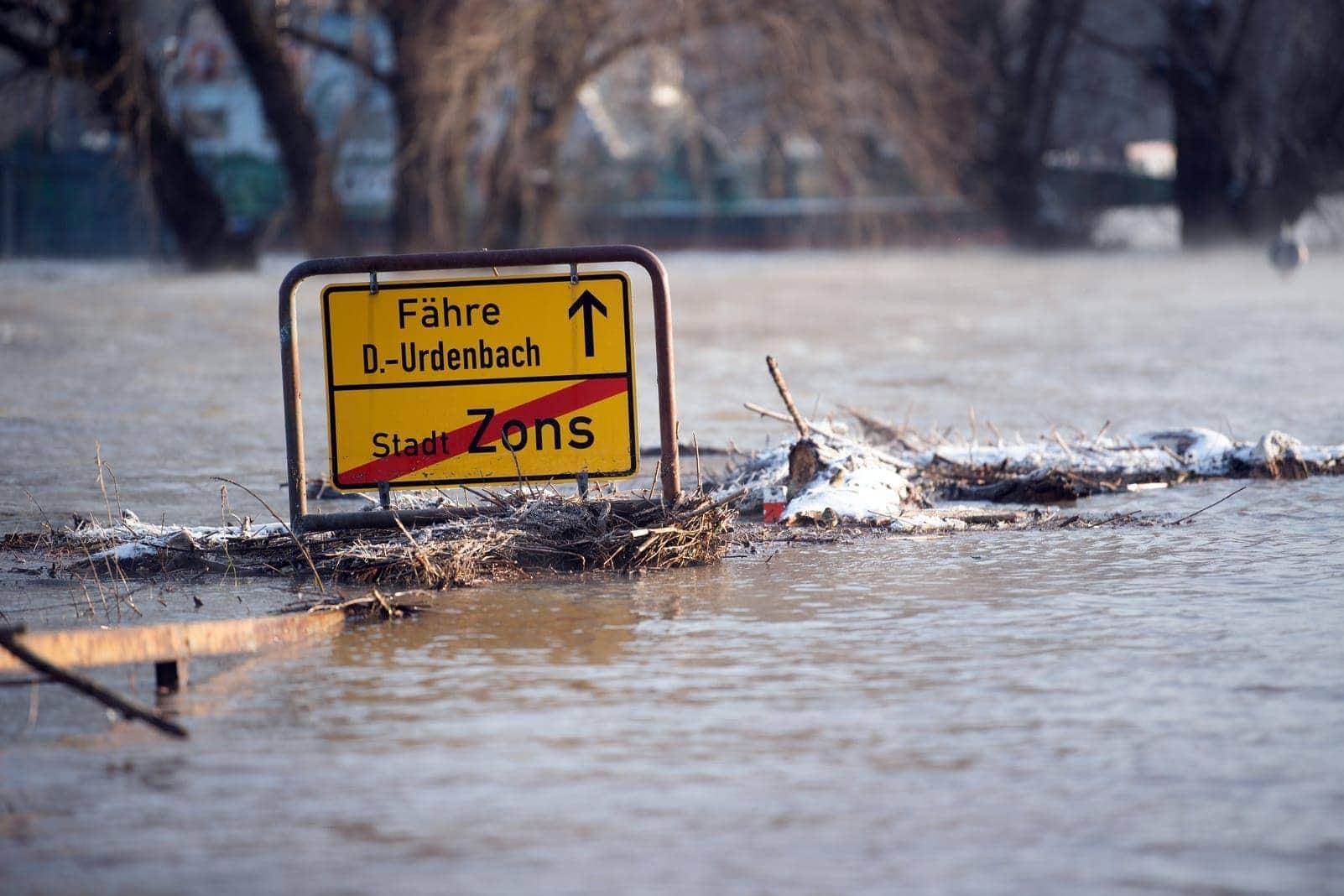 Rhein-Hochwasser in Zons