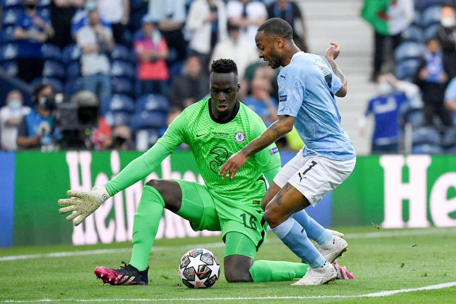 Manchester City - FC Chelsea Sterling Mendy
