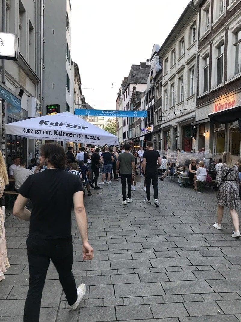 Düsseldorf Altstadt Mittwochabend für BS