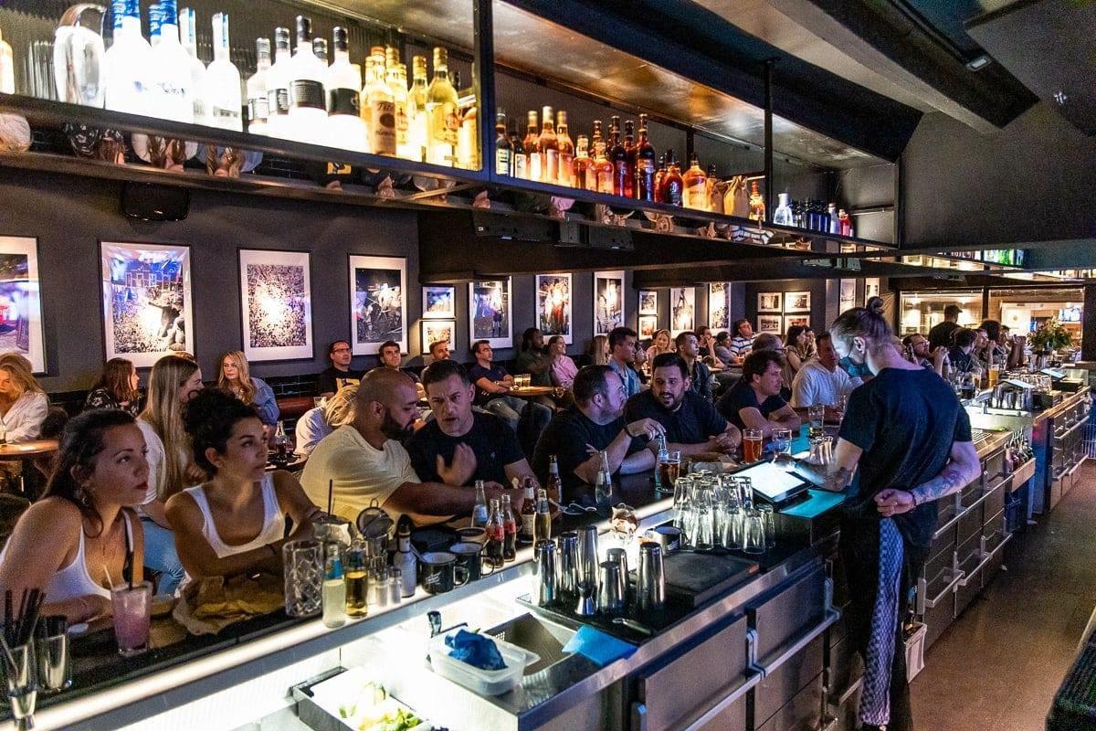 Boston Bar 11. Juli 30