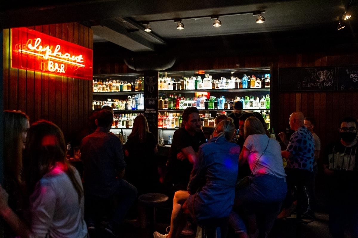 Elephant Bar 3. Juli 15