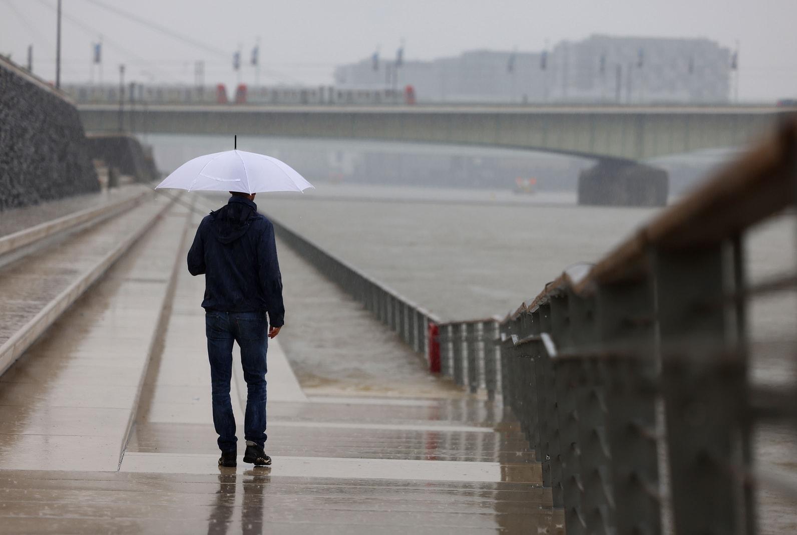Köln Rhein Hochwasser Starkregen 3