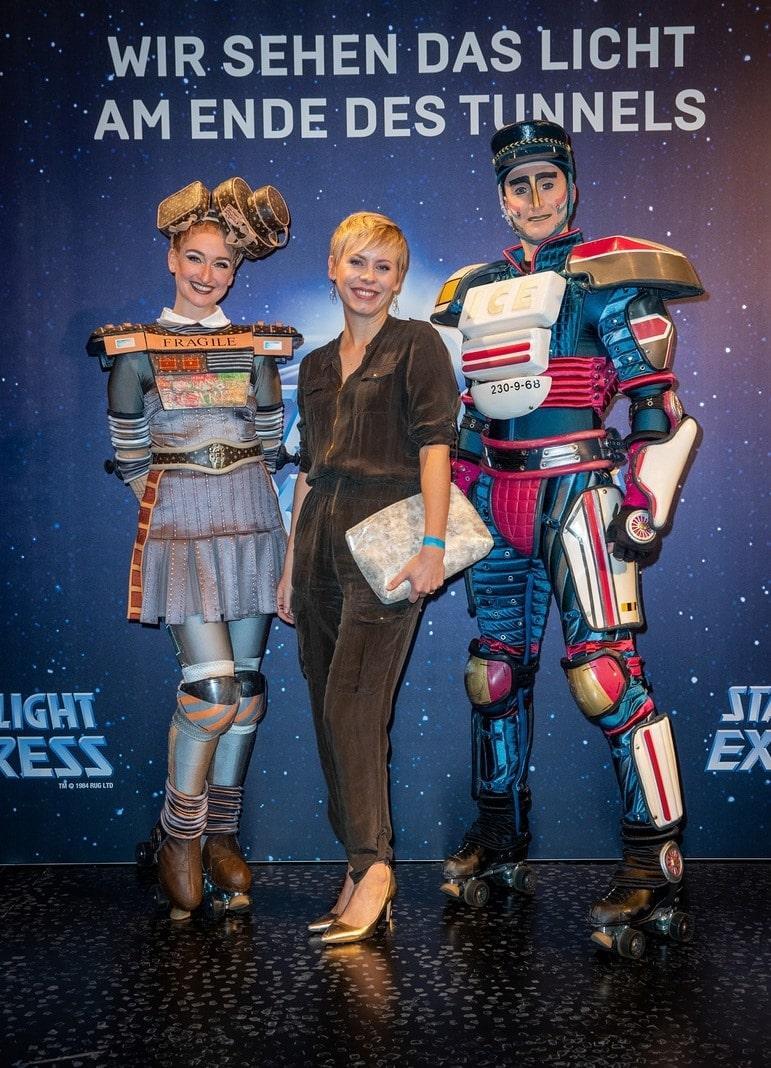 STARLIGHT-EXPRESS-2021-RedCarpet-JasminMinz