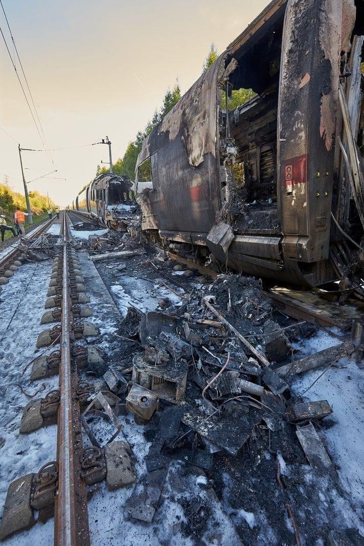 """bevor die genaue Ursache des ICE-Brandes aufgeklärt sei. """"Darüber hinaus gelten natürlich auch für Züge Brandschutzbedingungen"""