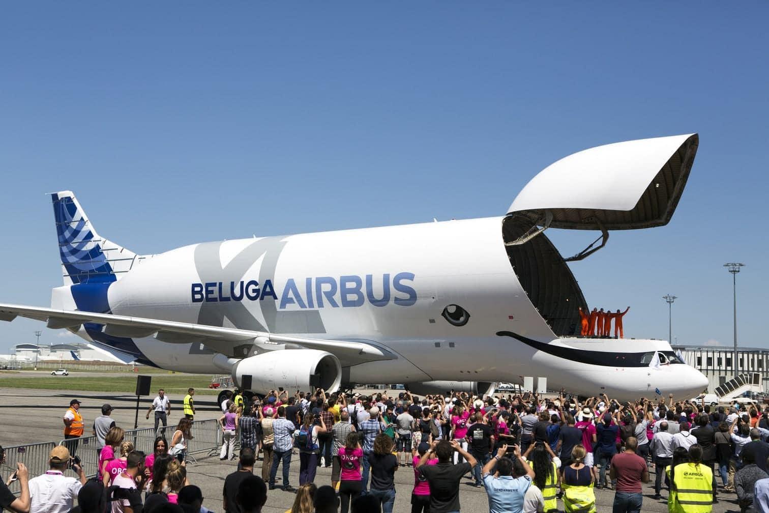 <p>Gegenüber seinem Vorgänger ist die XL-Version sechs Meter länger und einen Meter breiter. Damit können künftig zwei Tragflächen eines A350 statt wie bislang nur eine transportiert werden.</p> Foto: dpa