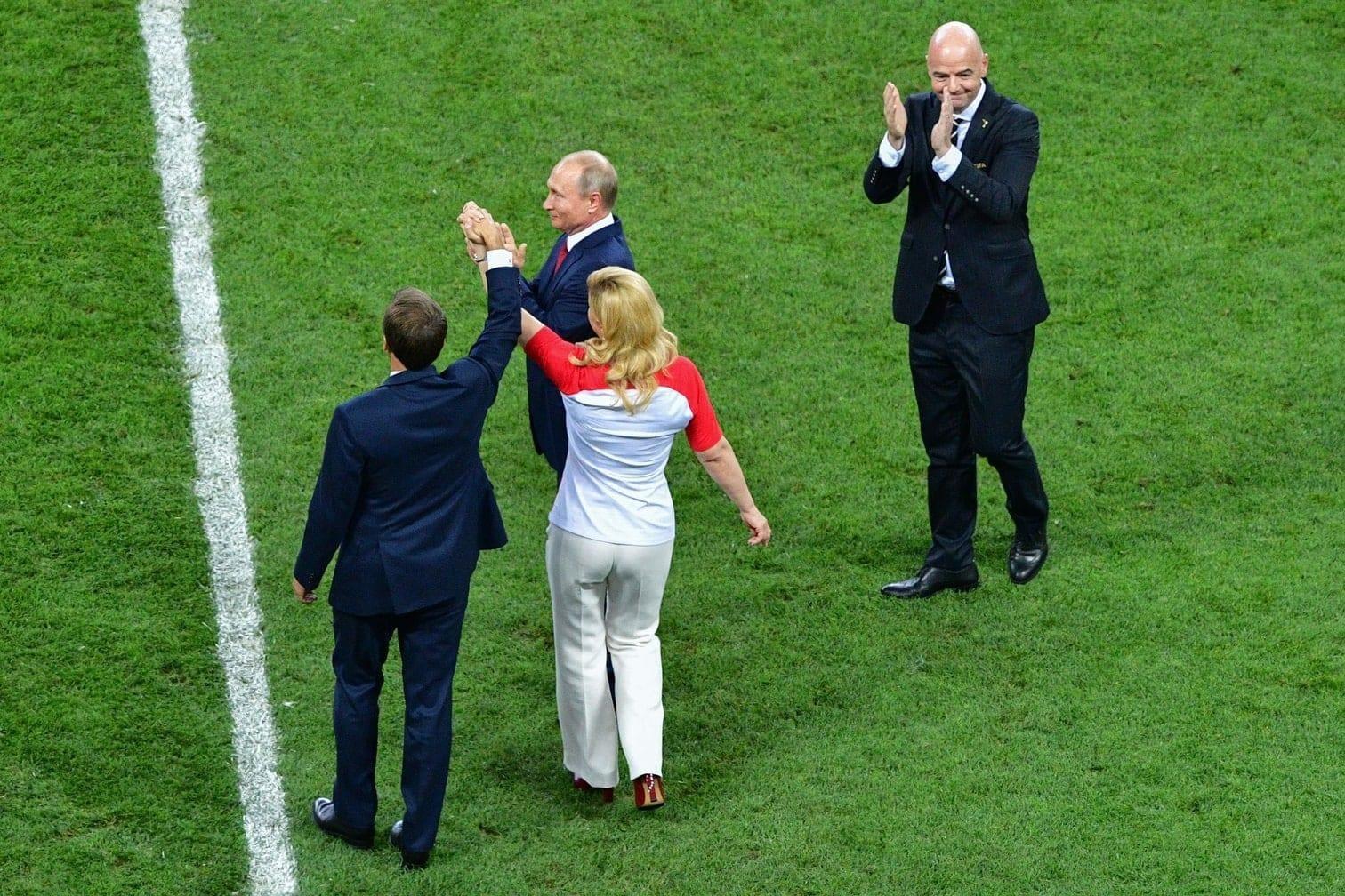 <p>Sehen Sie im Folgenden die Bilder der großen Sympathieträgerin beim WM-Finale...</p> Foto: AFP