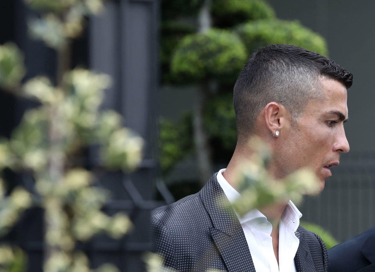 dass seinem Klub mit dem Torjäger seit 1996 das erste Mal wieder der Königsklassen-Pokal sicher sein wird.</p> Foto: AFP