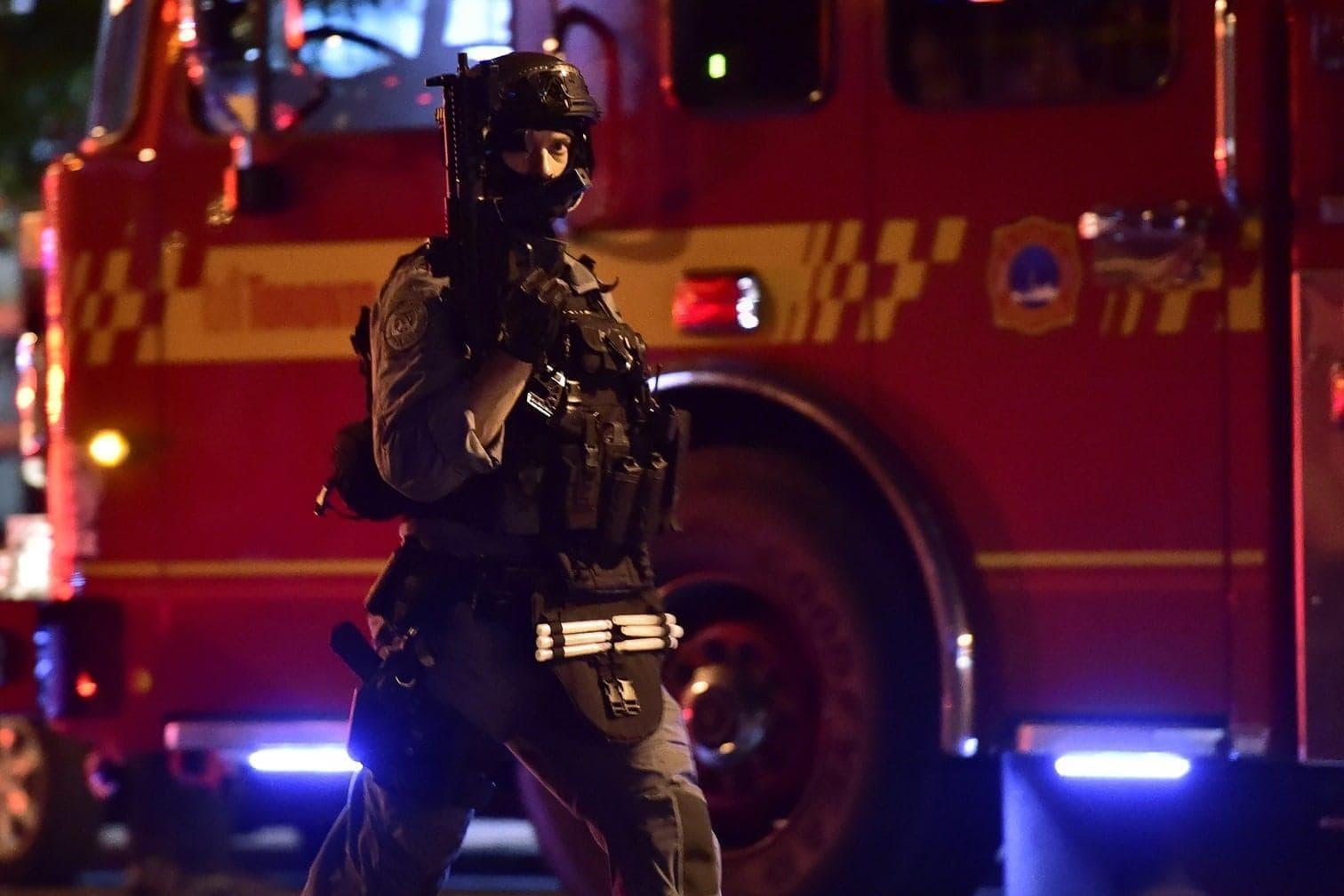 <p>Ein Mann habe das Feuer eröffnet und mindestens neun Menschen verletzt