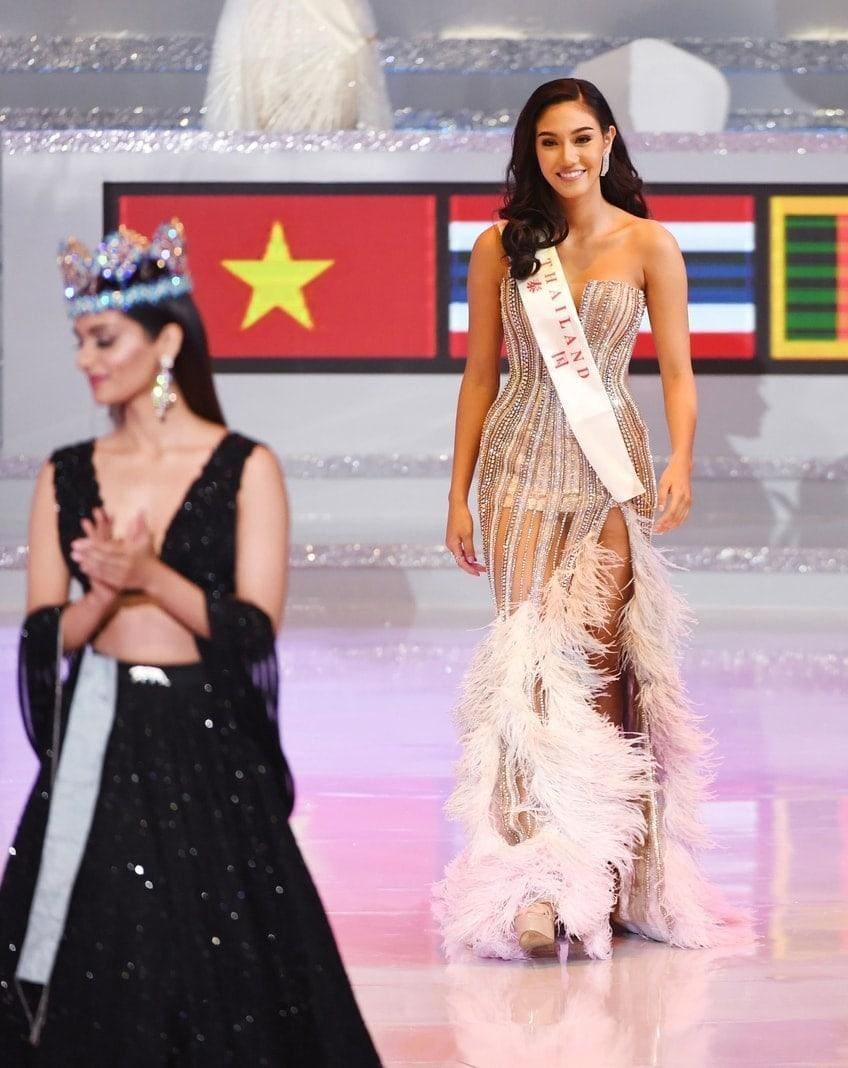 """wurde gleichzeitig Miss World Americas. Weitere """"Miss""""-Titel für die Kontinente gingen an Maria Vasilevich aus Weißrussland (Miss World Europe)"""