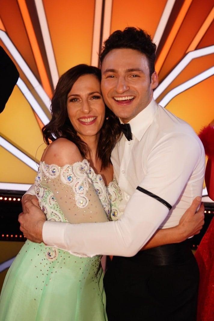 <p>Schauspielerin Ulrike Frank tanzt mit Robert Beitsch.</p> Foto: TVNOW / Gregorowius