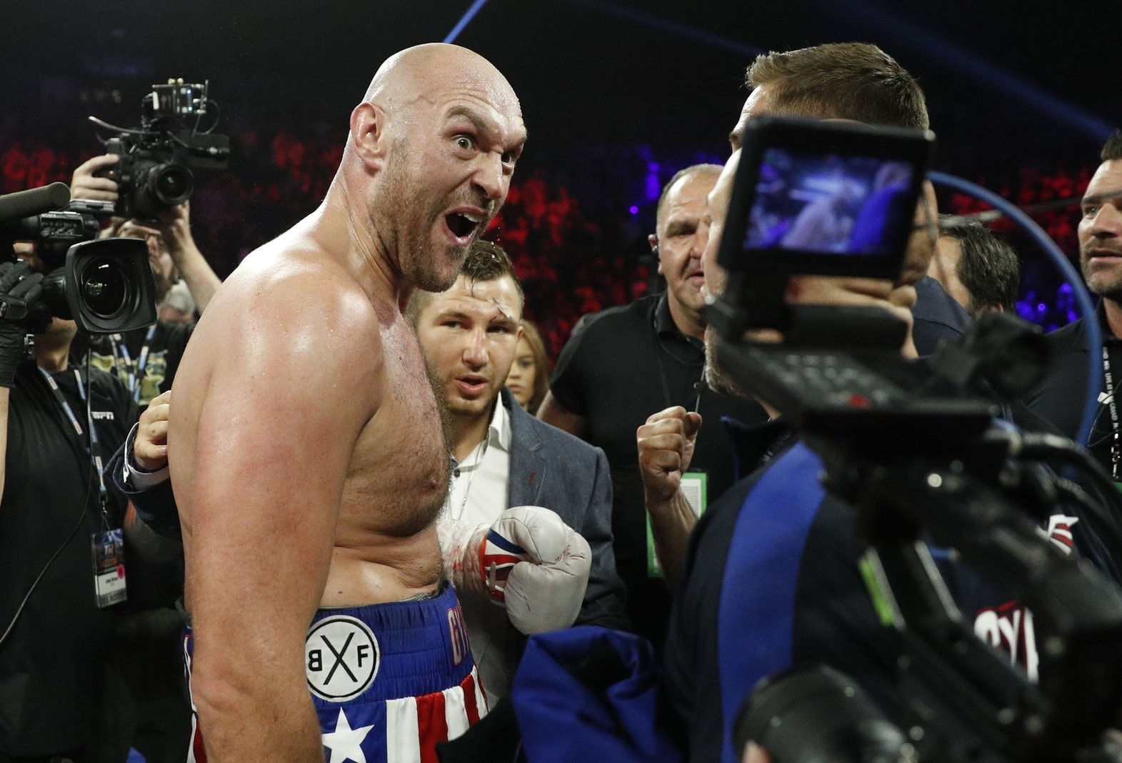 In einem Schwergewichtskampf unterlag Schwarz dem Briten in der Nacht zum Sonntag in Las Vegasdurch technischen K.o. bereits  in der zweiten Runde. Foto: John Locher/dpa