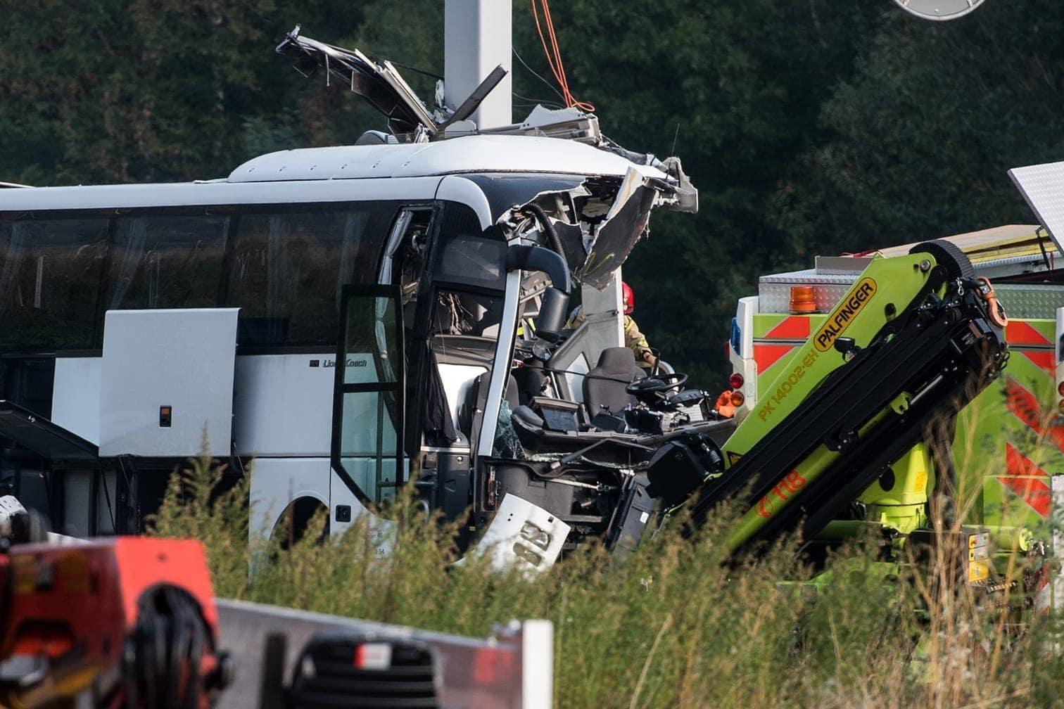 <p>Ein Reisebus aus Deutschland ist im Schweizer Kanton Tessin verunglückt