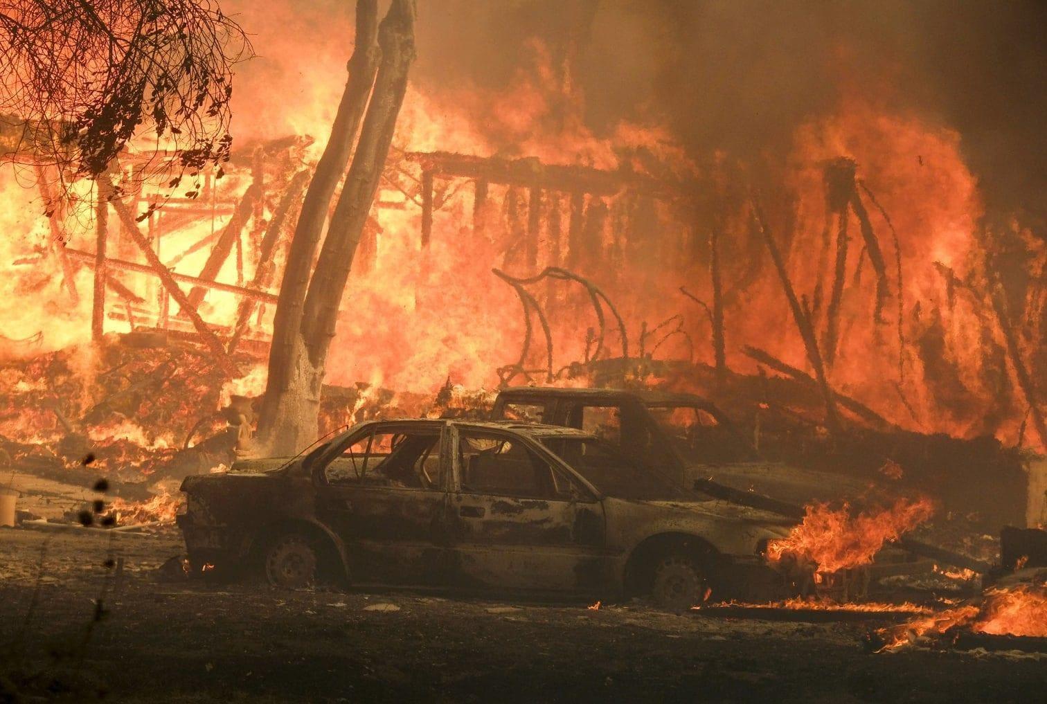<p>Neben dem sogenannten Camp Fire mit einer Größe von mehr als 30.000 Hektar in der Gegend von Paradise tobten im Süden des Staates