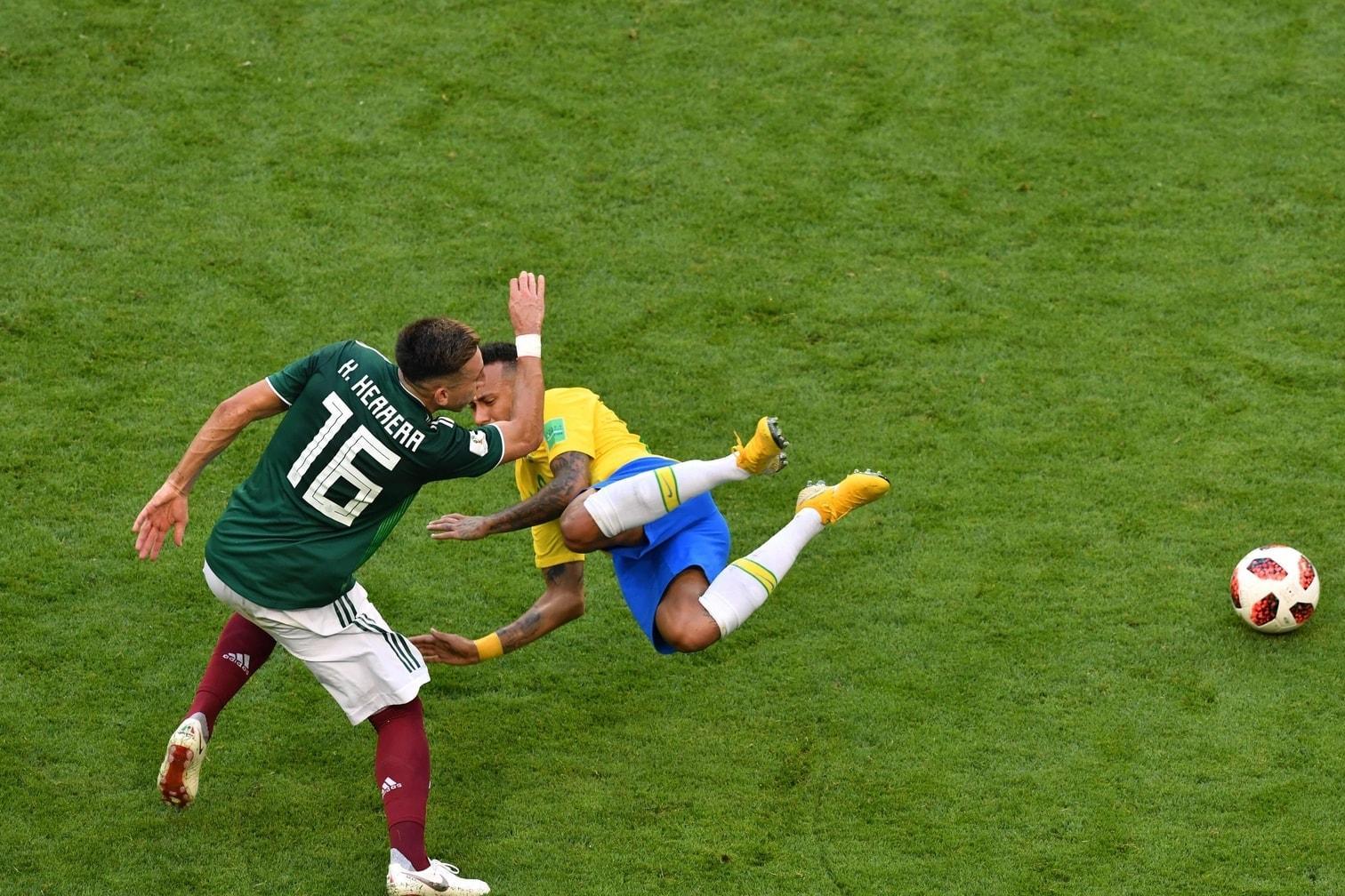 <p>Doch wenige Minuten später lief Neymar wieder über den Rasen