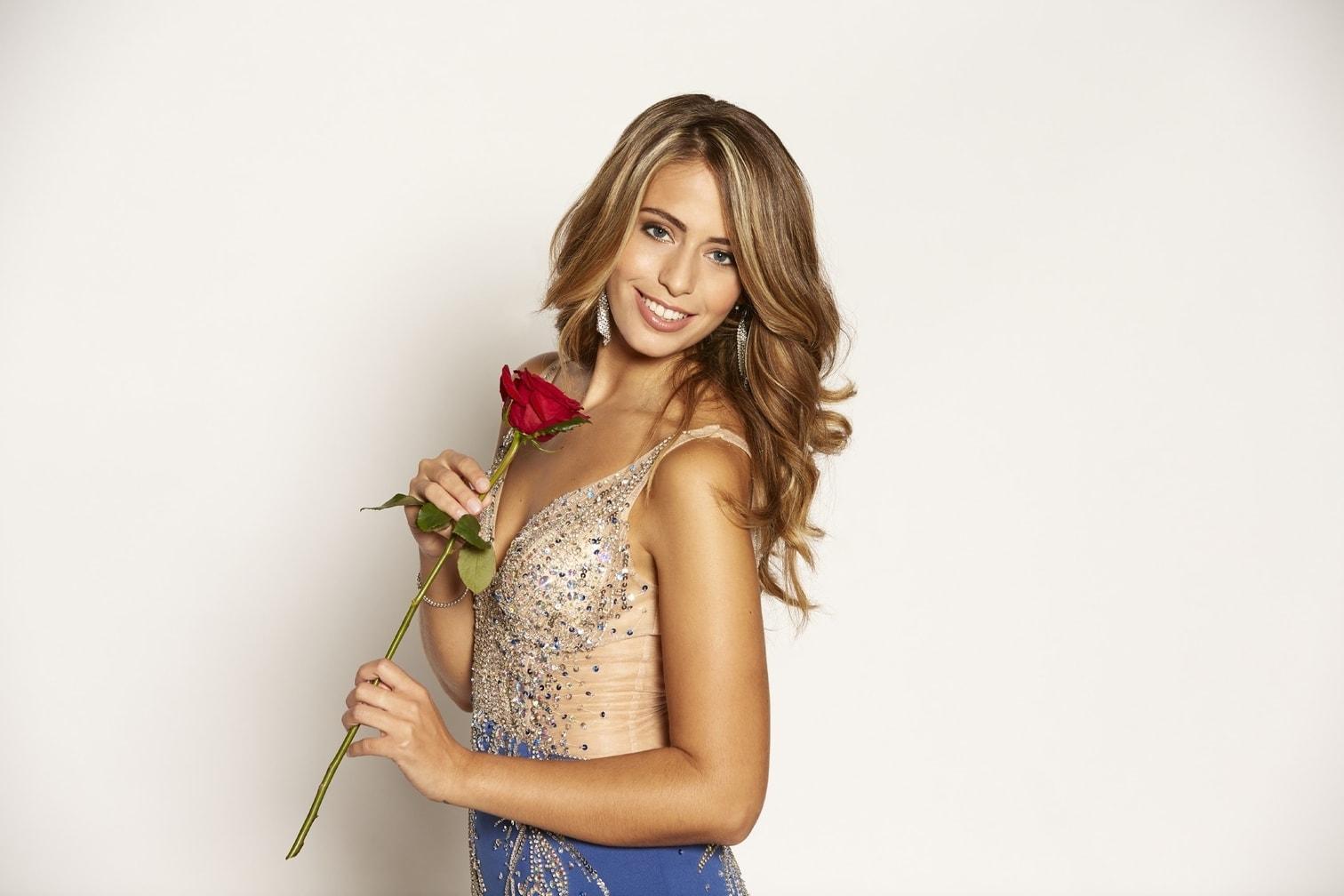 <p>Für Lara war in der zweiten Folge Schluss. Sie bekam keine Rose vom Bachelor.</p> Foto: MG RTL D