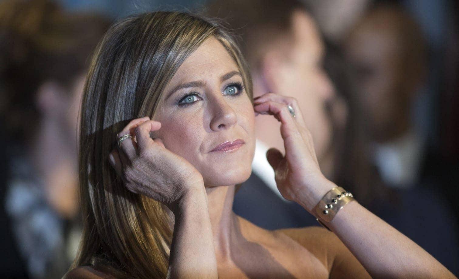 <p>Jennifer Joanna Aniston wurde am 11. Februar 1969 in Los Angeles geboren. Ihre Berühmtheit hat die Tochter eines griechischstämmigen Schauspielers ihrer Rolle als Rachel Green in der Hit-Sitcom