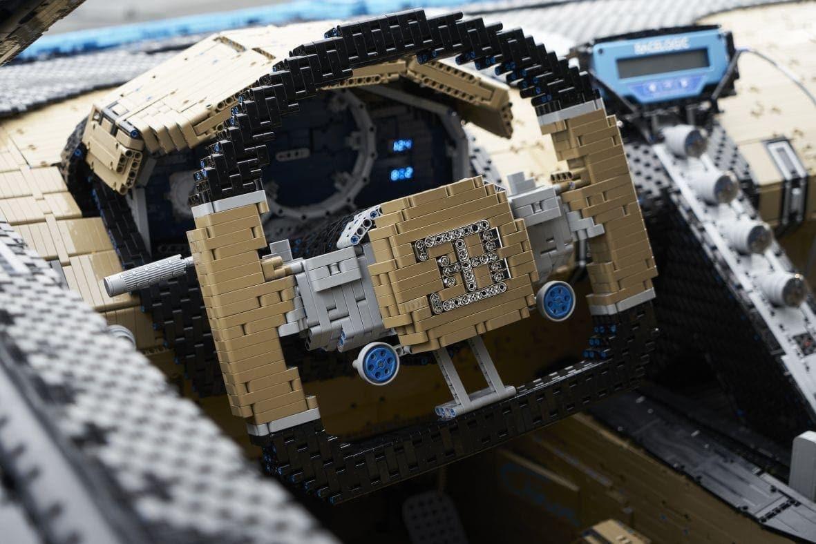 <p>Über 13.000 Arbeitsstunden stecken in dem Lego-Modell.</p> Foto: The LEGO Group