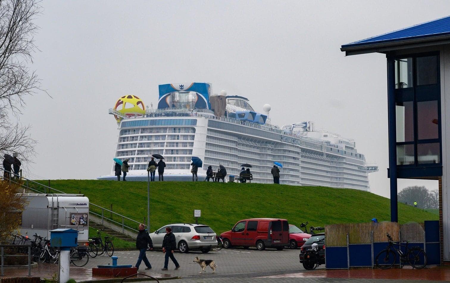 <p>An Bord gibt es reichlich Vergnügungsmöglichkeiten.</p> Foto: dpa/Christophe Gateau