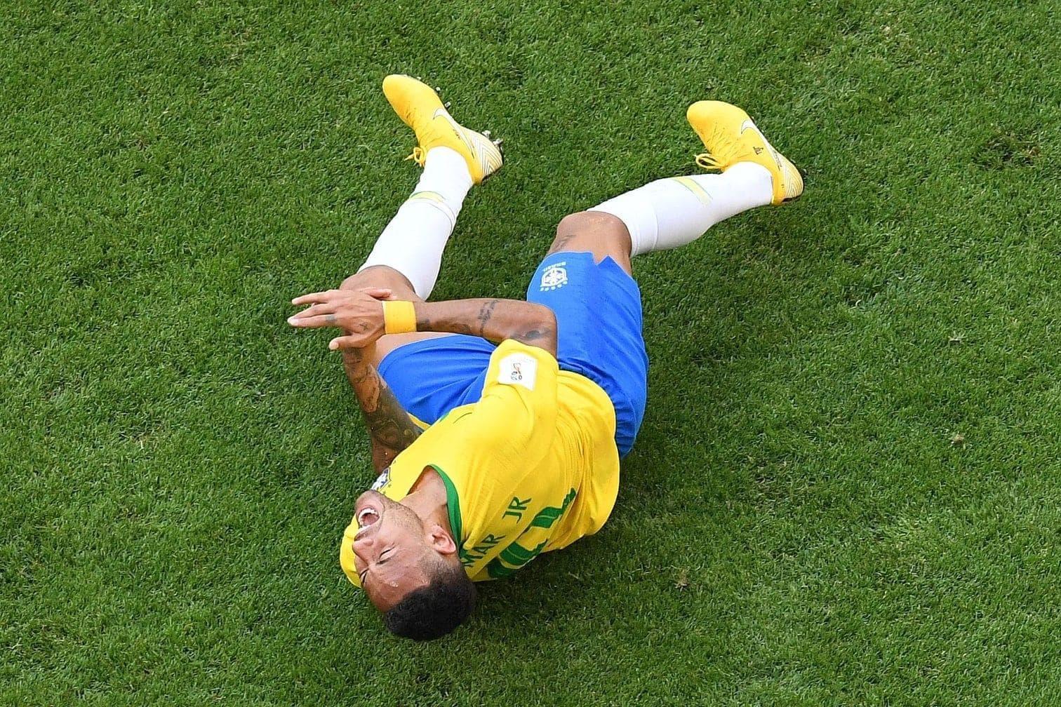 <p>Der Mexikaner Miguel Layun war Neymar unmittelbar vor der brasilianischen Bank auf den Knöchel getreten