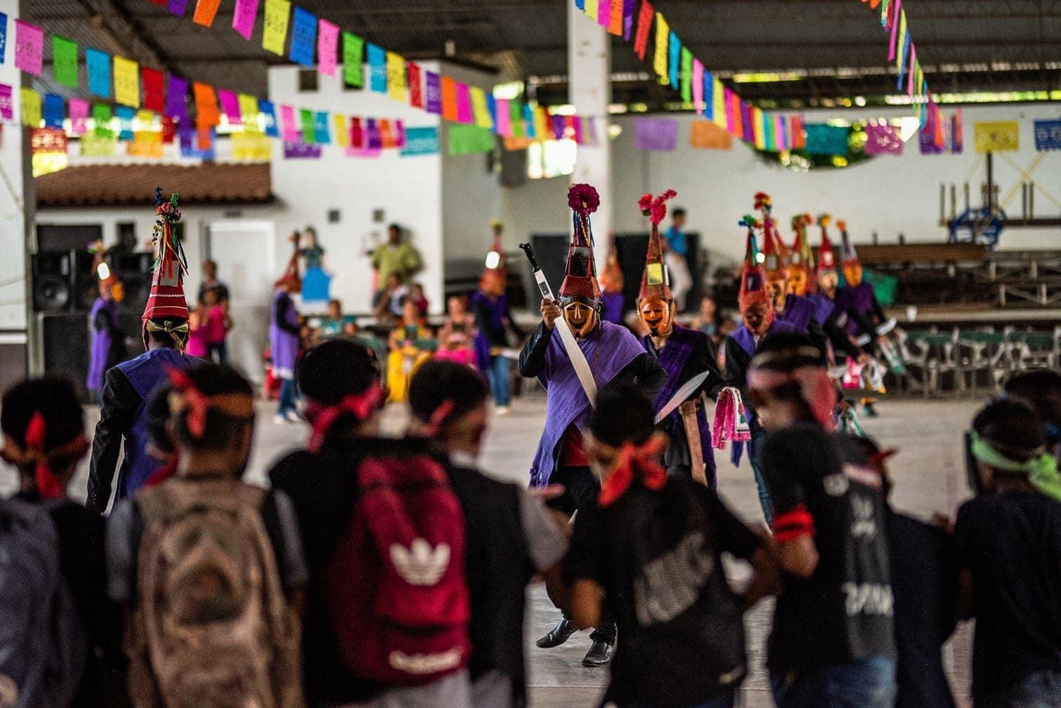 <p>Jedes Jahr soll das Fest ein Bündnis zwischen Mensch und Tier darstellen.</p> Foto: dpa
