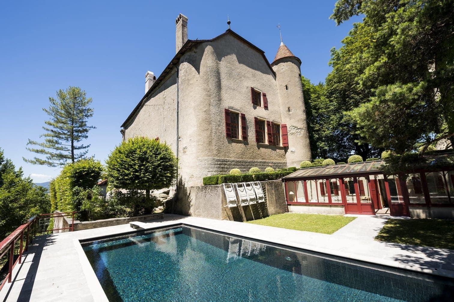 <p>Dieses Schloss sucht einen neuen Besitzer.</p> Foto: dpa