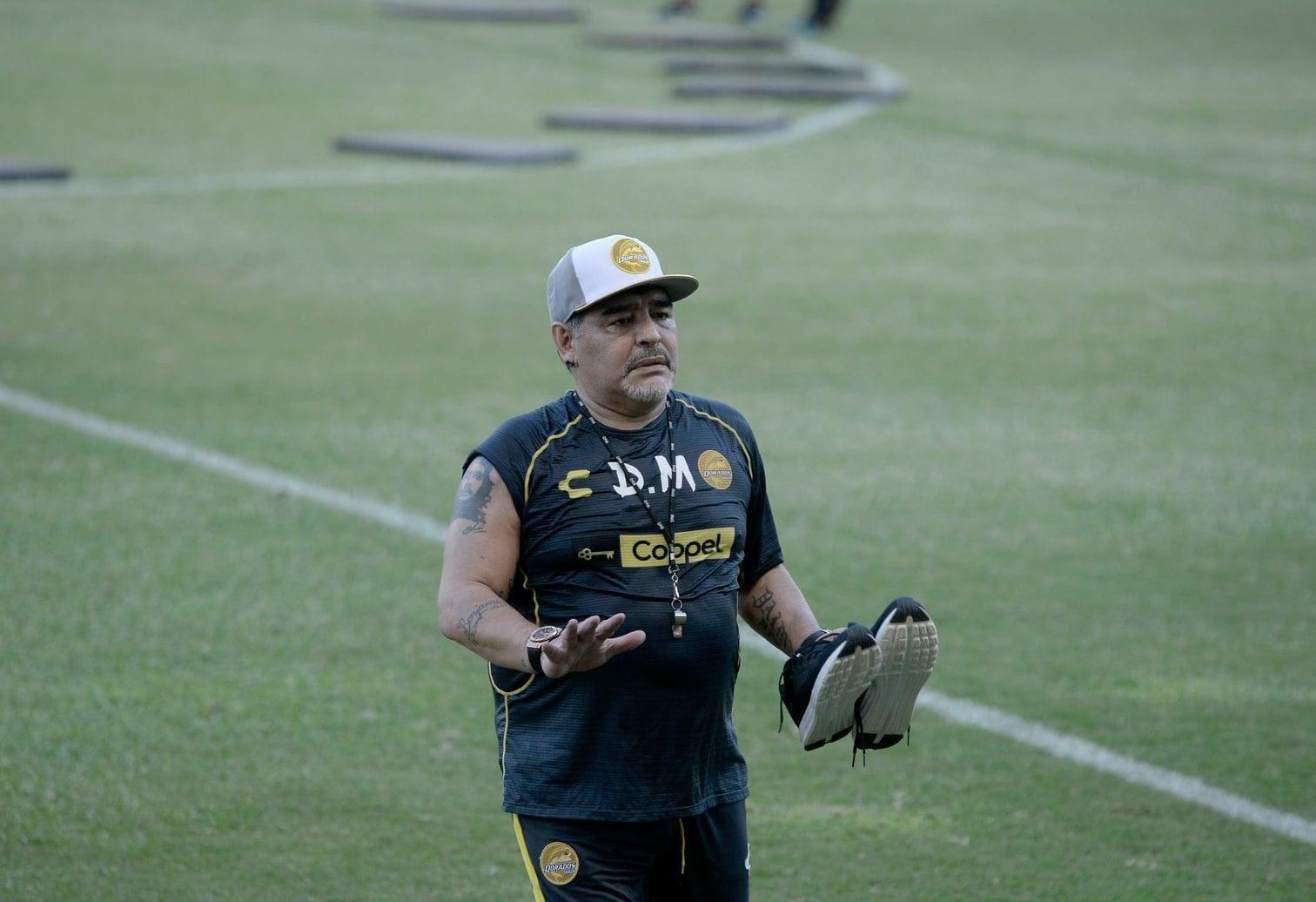 sagte Argentiniens Fußball-Legende am Montag bei seiner Vorstellung als Trainer des Clubs Dorados de Sinaloa in Culiacán. Er sei kein Verfechter des defensiven Fußballs.</p> Foto: dpa