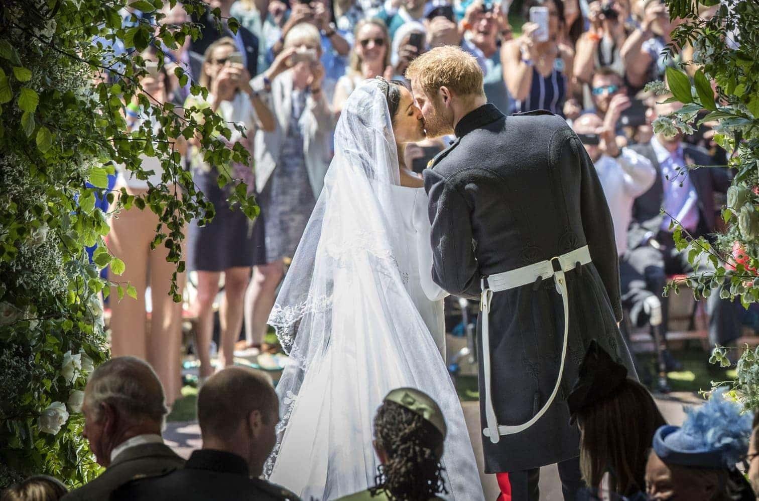 <p>Am 6. Juli ist Internationaler Tag des Kusses und es gibt wohl kein schöneres Thema für einen Artikel als romantische Lippenbekenntnisse. Wir starten mit Prinz Harry und seiner Meghan