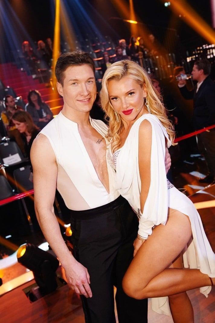 <p>TV-Sternchen Evelyn Burdecki tanzt mit Evgeny Vinokurov.</p> Foto: TVNOW / Gregorowius