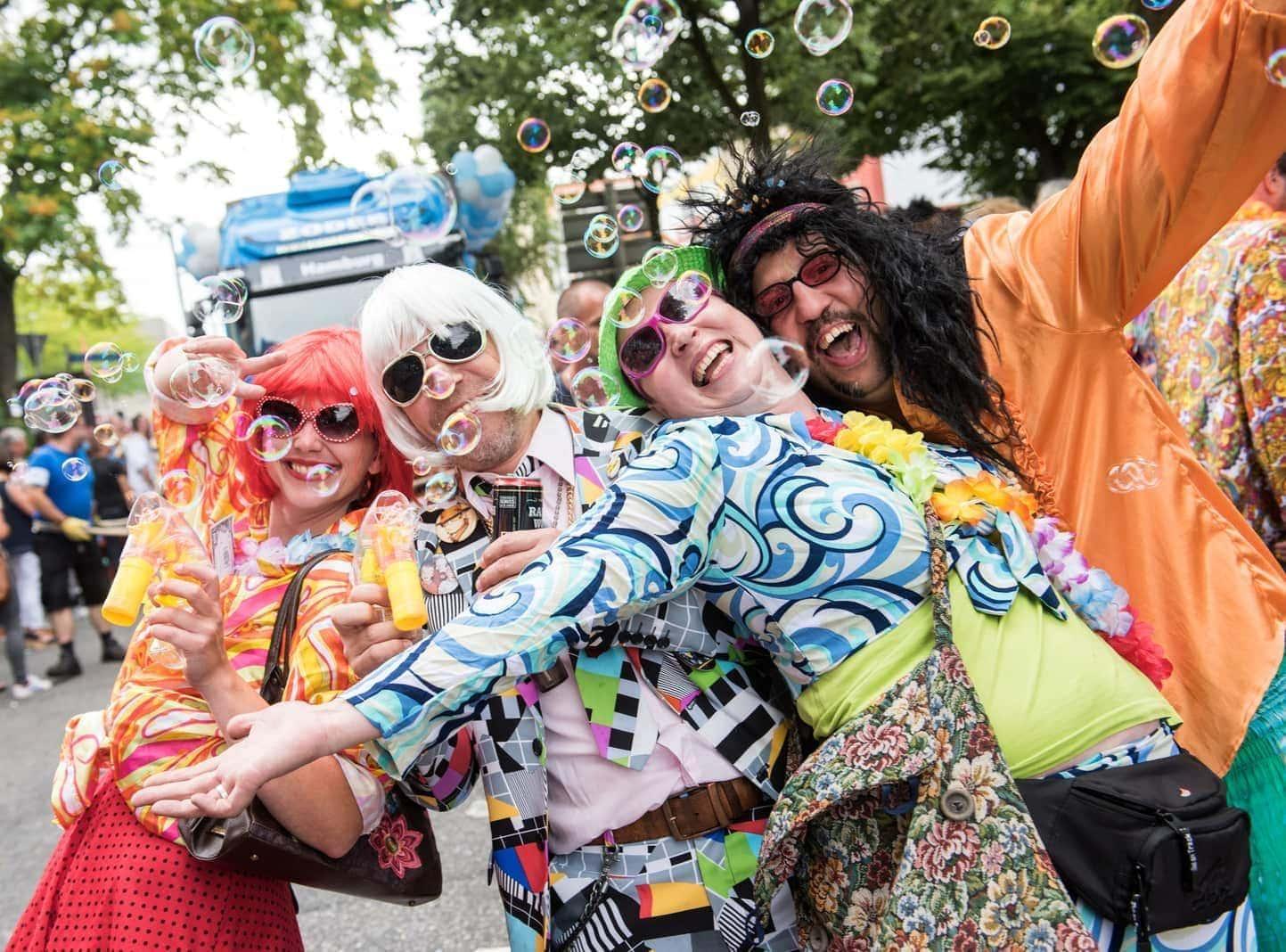 <p>Zur Aftermove-Party am frühen Abend auf dem Heiligengeistfeld sollten DJs und weitere prominente Künstler den Besuchern einheizen.</p> Foto: dpa
